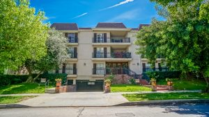 South Of Ventura Sherman Oaks Condo For Sale